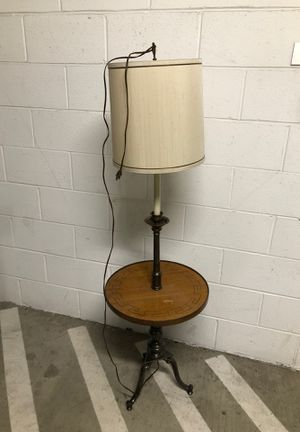 Vintage Lamp table for Sale in Alexandria, VA