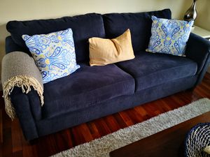 "73"" sofa with pocketed coil cushions for Sale in Willingboro, NJ"