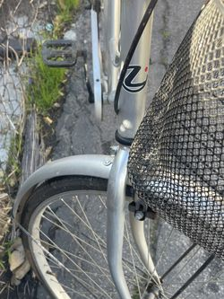 Bicicleta De Aluminio Para Mujer for Sale in Los Angeles,  CA