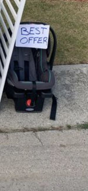 $25 infant car seat with base pick up only for Sale in Clinton Township, MI