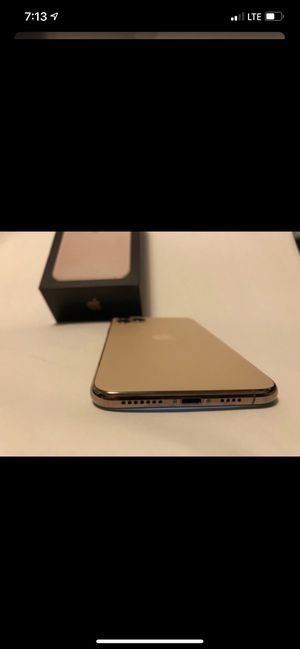 Iphone 11 pro max 256gb locked for Sale in Woodbridge Township, NJ