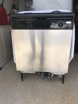 Dishwasher Whirlpool under counter model for Sale in Ruskin, FL