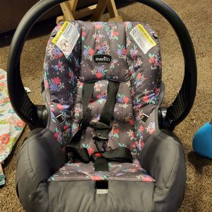 Infant Car Seat for Sale in Washington, PA