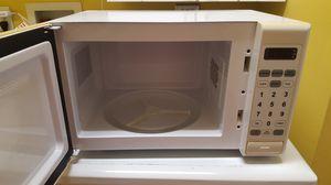 Microwave en bien estado for Sale in Falls Church, VA