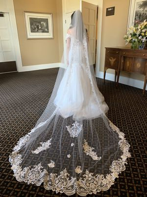 Wedding dress size 6 for Sale in Paramount, CA