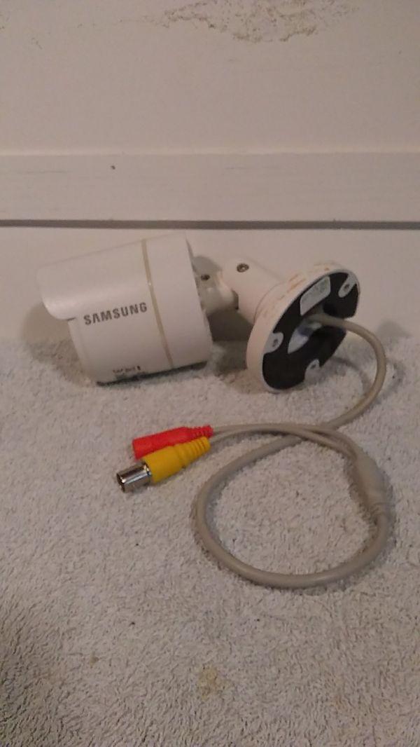 Samsung SDC-9443BCN Indoor/Outdoor Digital Color Camera