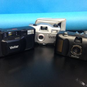 3 Vivitar Point And Shoots Film 🎞 for Sale in Los Angeles, CA
