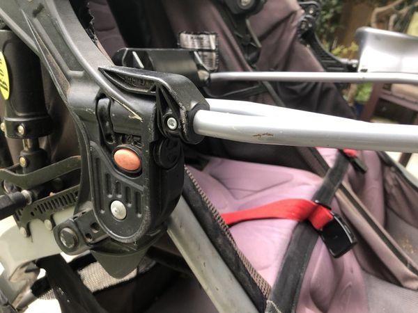 Double BOB Graco car seat adapter