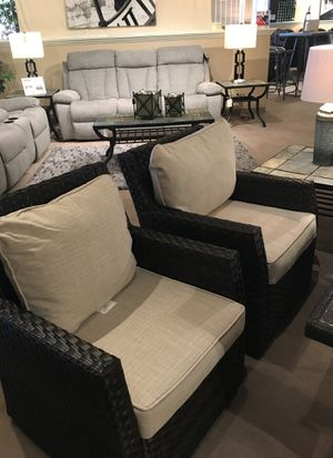 Showing US patio sectional two lounge chairs and a rectangle table for Sale in Modesto, CA