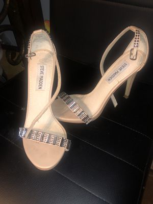 NEW !!! great condition steve madden crystal heels ! size 6 for Sale in Phoenix, AZ