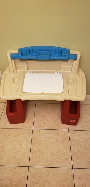 Child's Desk for Sale in Miami, FL