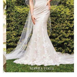 Wedding dress for Sale in FL, US