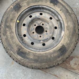 Truck Wheel for Sale in Huntington Beach, CA