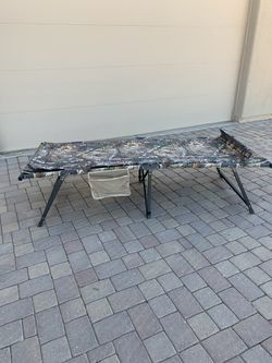 Real tree Cot and Air Mattress for Sale in San Tan Valley,  AZ