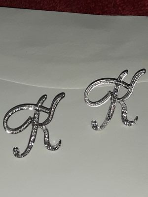 Stud K earring 925 sliver with small diamond for Sale in Las Vegas, NV