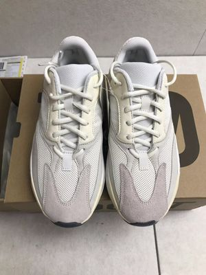 Adidas Yeezy Boost 700 Analog for Sale in Jersey City, NJ