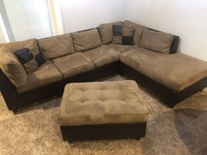 Sectional sofa microfiber and leather with ottoman like new for Sale in San Jose, CA
