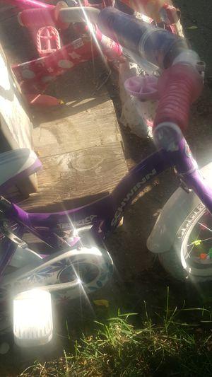 """Schwinn girls bike 12"""" Good conditon for Sale in Dearborn Heights, MI"""
