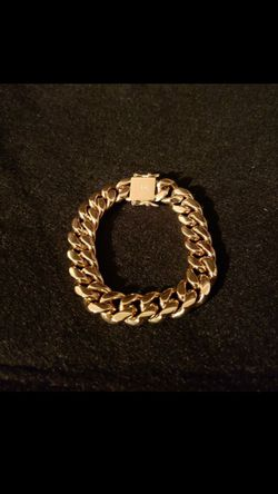 14k gold plated Cuban link bracelet...... for Sale in Hollywood,  FL