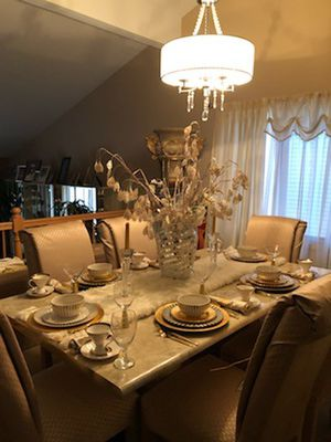 8 piece Dining set 6 Chairs, table and China Cabinet for Sale in Oak Forest, IL