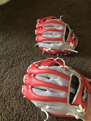 Small baseball glove for Sale in Glendale, AZ