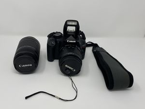 Canon Rebel T2i DSLR Camera w/ day carry case for Sale in San Diego, CA
