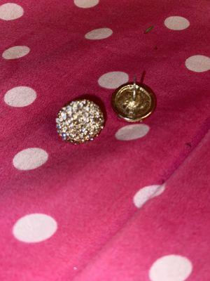 GOLD DIAMOND EARRINGS for Sale in Brooklyn, NY