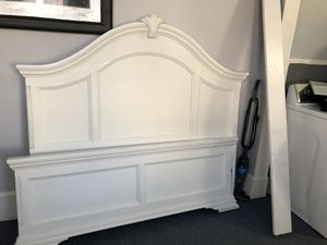 Queen bed frame for Sale in Shamokin, PA