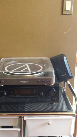 Turntable, receiver, speakers for Sale in LXHTCHEE GRVS, FL