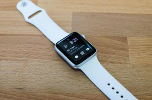 Series 5 Apple Watch 40 mm CELLULAR + GPS for Sale in Lewis Center, OH