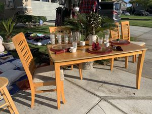 Farmhouse Kitchen Table / Dining Set for Sale in Perris, CA
