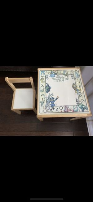 Wizard of Oz kids table/chair/vintage for Sale in Haltom City, TX