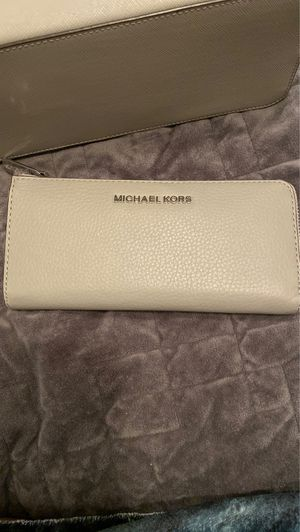 Wallet and Purse both for $120. Or wallet $40 And purse $90 for Sale in Ceres, CA