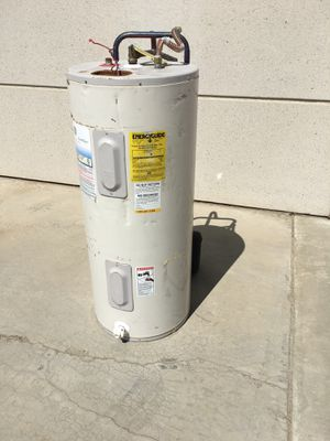 Electric 40 gallon water heater for Sale in Perris, CA