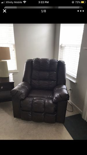 Kensington Faux leather recliner for Sale in Egg Harbor City, NJ
