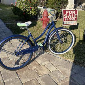 Ladies Bike Huffy $100 for Sale in Fort Pierce, FL