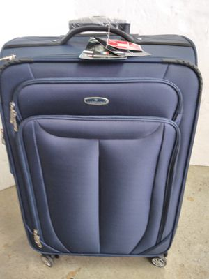 GABBIANO LUGGAGE; 8 WHEELS SPINNERS for Sale in HALNDLE BCH, FL