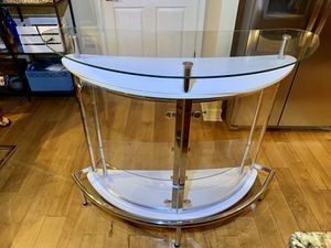 Modern white glass open storage bar unit (free bar stools) for Sale in St. Petersburg, FL