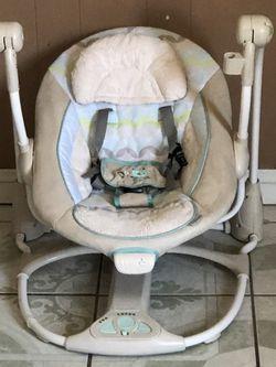 INGENUITY BABY SWING for Sale in Riverside,  CA