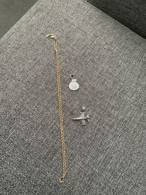 22 inch 10k chain and pendants for Sale in Lancaster, TX