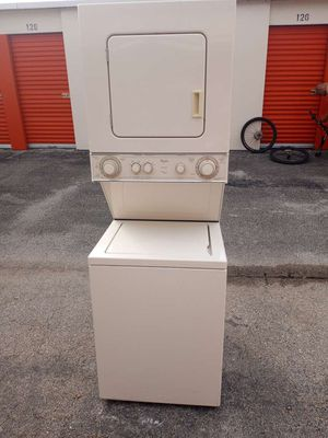 """24"""" Whirlpool Stackable Washer and Dryer. 100% FULLY WORKING! for Sale in Hollywood, FL"""