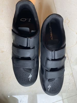 Specialized Torch Road Bike Shoes 9.5 for Sale in Aventura, FL