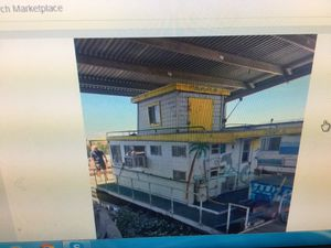House boat thirty feet long for Sale in Elk Grove, CA