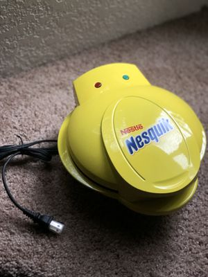 Smart Planet Nestle Nesquik Mini Cupcake and Brownie Maker, Yellow for Sale in Olympia, WA