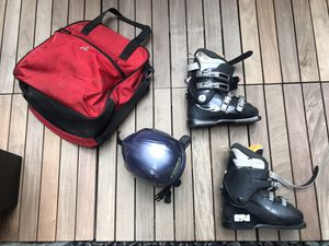 Salomon Performa 6.0 Ski Boots, Women's Size 7 w Boeri Helmet & Accessories for Sale in New York, NY