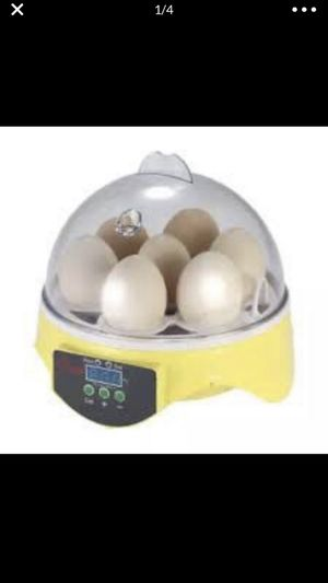 Incubator for 7 eggs for Sale in Los Angeles, CA