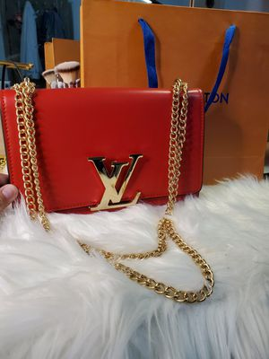 Louie chain louise red gold chain for Sale in Garland, TX