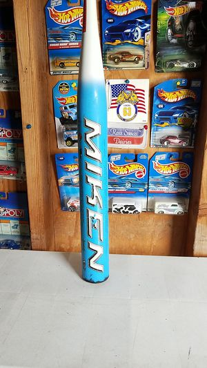 Miken Devious One slowpitch bat, 34/27 for Sale in Santa Fe Springs, CA