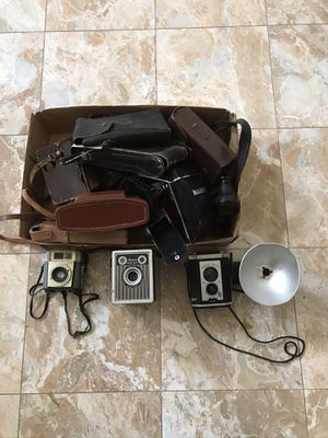 Lot of 5 antique cameras and 9 vintage camera cases for Sale in Chino Hills, CA
