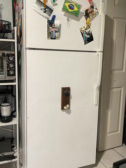 Top freezer refrigerator in white. $149 for Sale in Kearny,  NJ